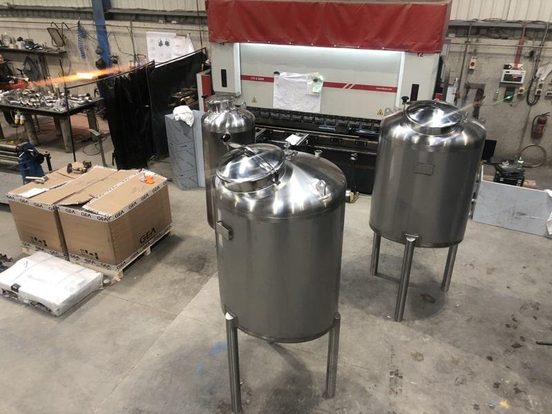 Small Vessels - SX Engineering - 800L Permeate tanks