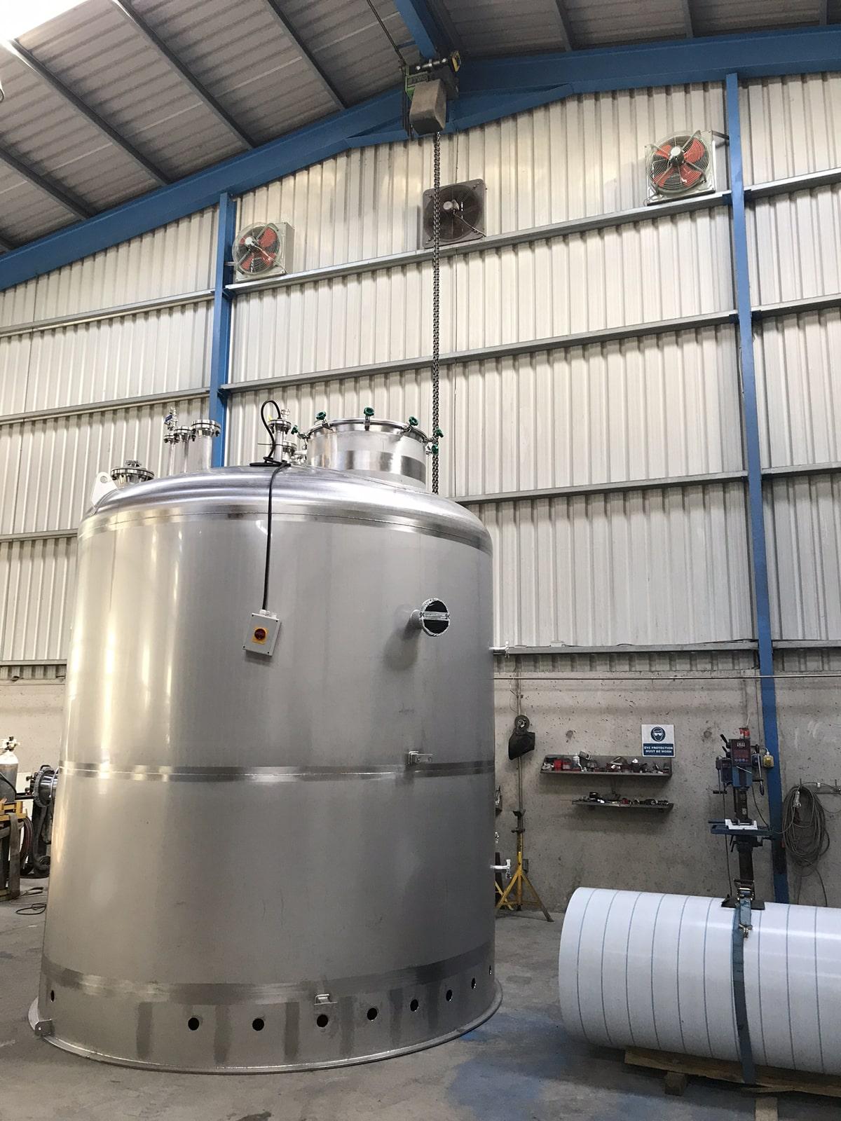 Large Vessels - SX Engineering - Abbvie bio waste sump vessel