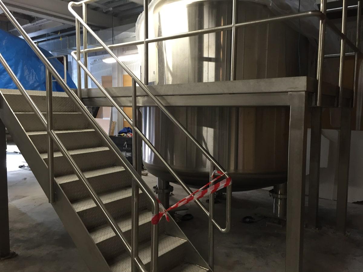Access Platforms - SX Engineering - GE prep area access platform stairs