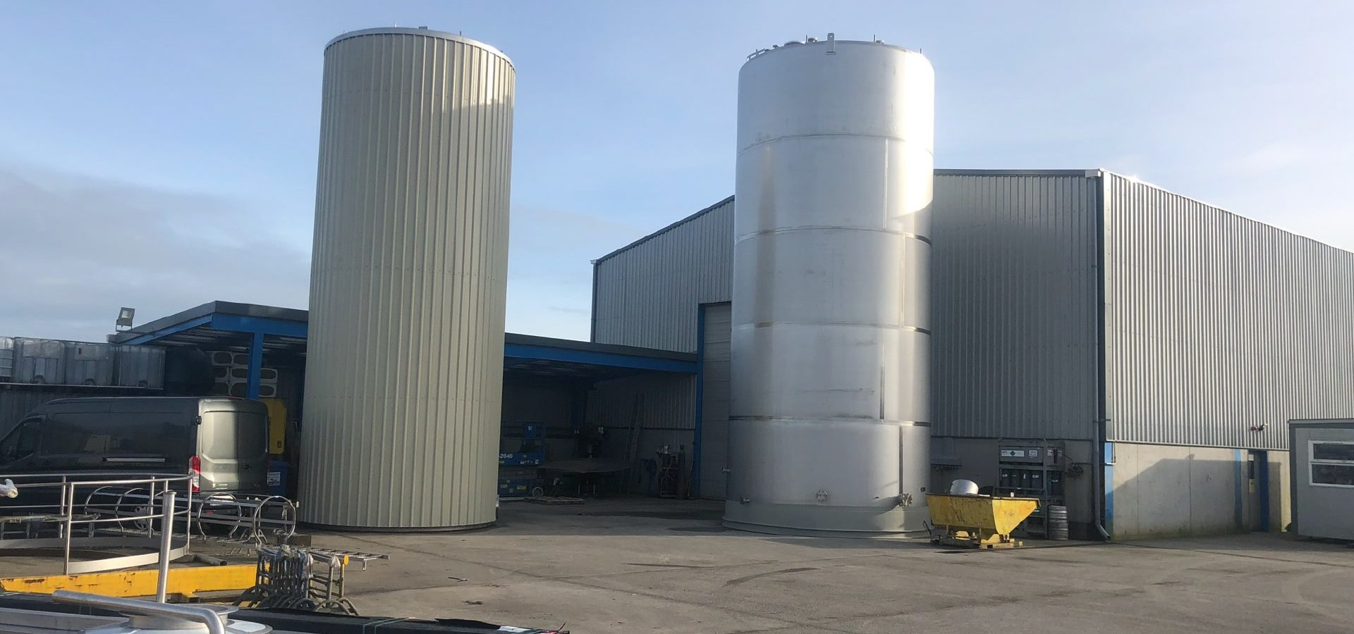 Large Vessels - SX Engineering - 2 x silos nearing completion